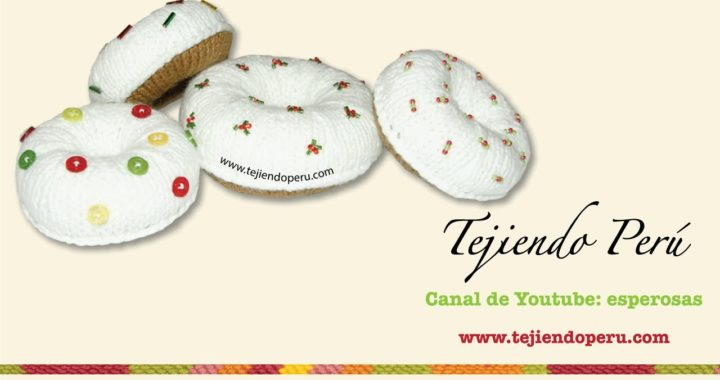 Donuts tejidos en dos agujas o palitos decorados para Navidad (knitted doughnuts tutorial)