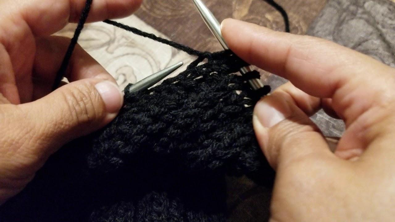Una pequeña muestra de como tejer una bufanda en dos agujas.